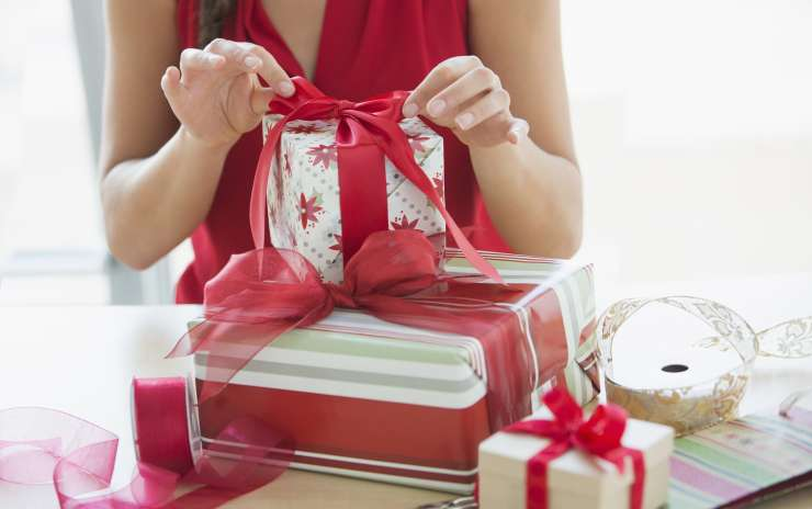 Gift Wrapping at Place d'Orleans